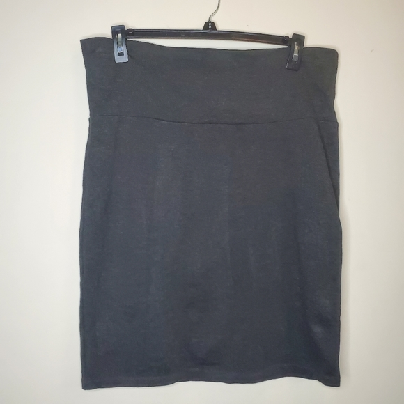 Mom2B Stretchy Grey Skirt